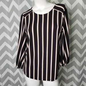ADRIANNA PAPELL black stripped blouse